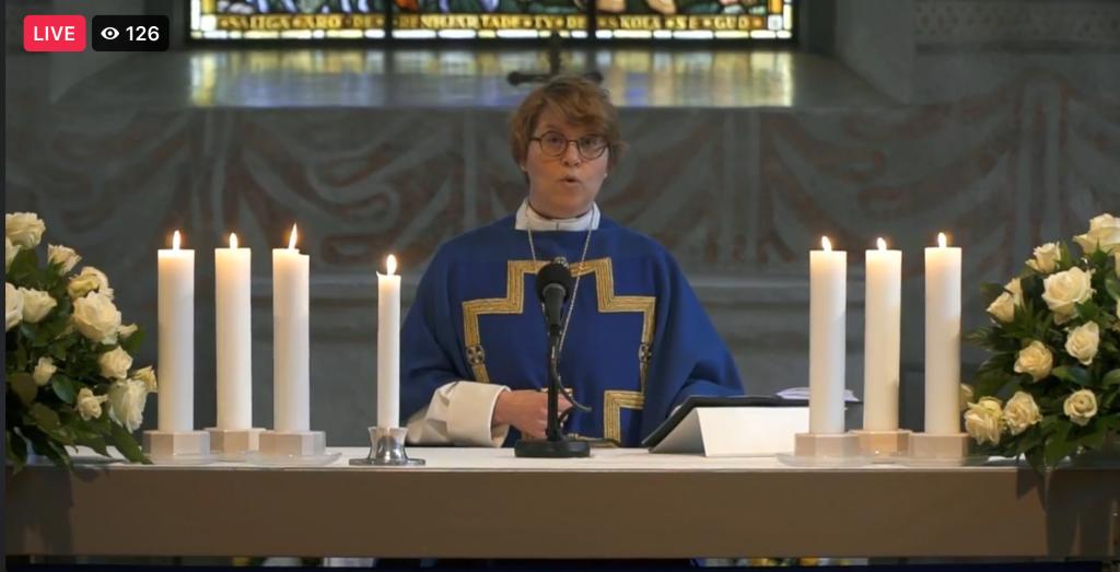 Piispa Kaisamari Hintikka Marianpäivän messussa